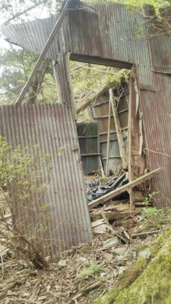 旧あしび山荘廃墟2